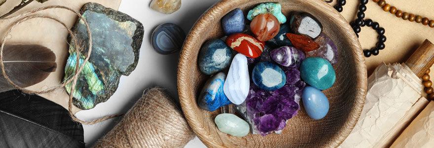 Pierres de santé et des objets mystiques